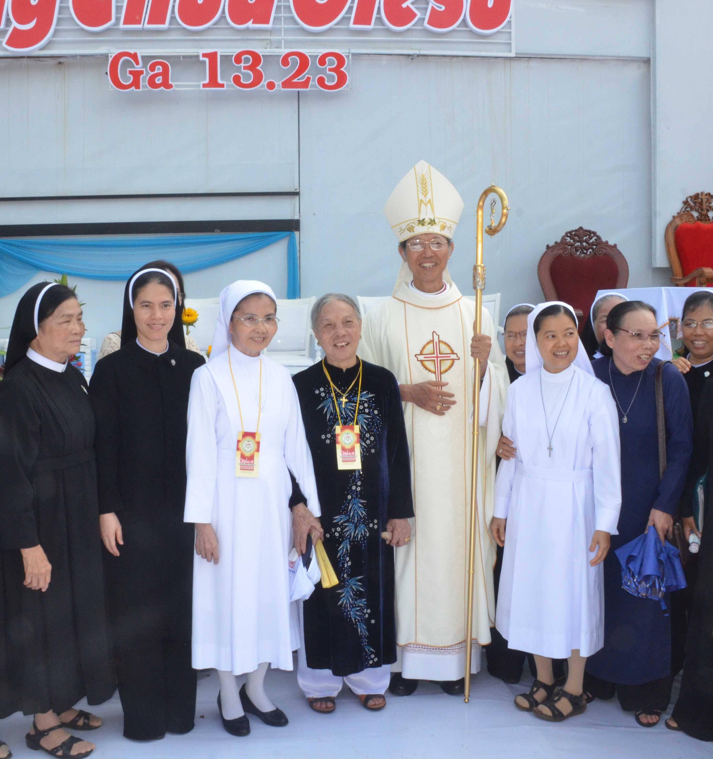 Người mẹ góa của vị giám mục