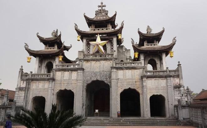 Nhà thờ đá hơn 120 tuổi độc nhất Việt Nam