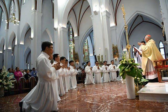 Thông báo: Thuyên chuyển 13 Linh mục trong TGP Hà Nội