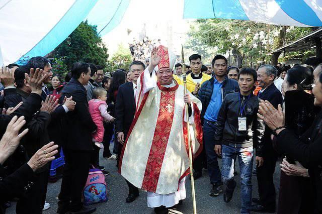 Đức Tân Tổng Giám mục Giuse chính thức nhận sứ vụ mục tử tại Tổng Giáo phận Hà Nội