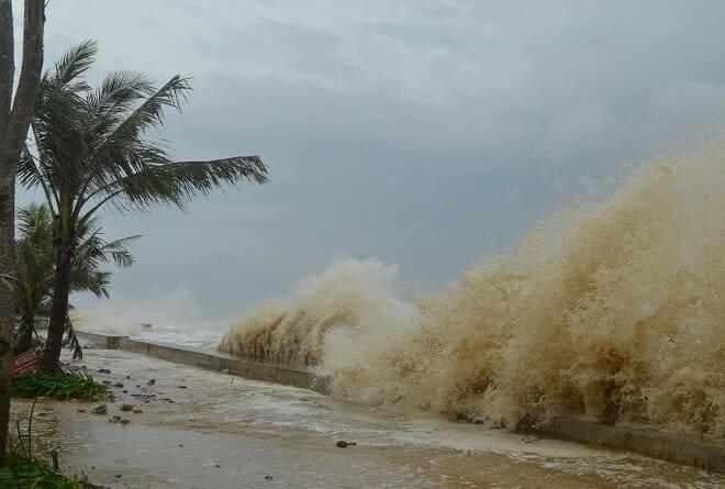 Sức tàn phá khủng khiếp của bão số 10 khi đổ bộ miền Trung