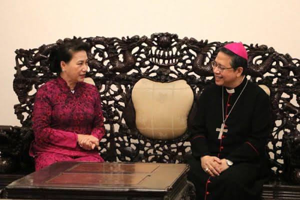 Chủ tịch Quốc hội Nguyễn Thị Kim Ngân chúc mừng Giáng sinh tại TGP Sài Gòn