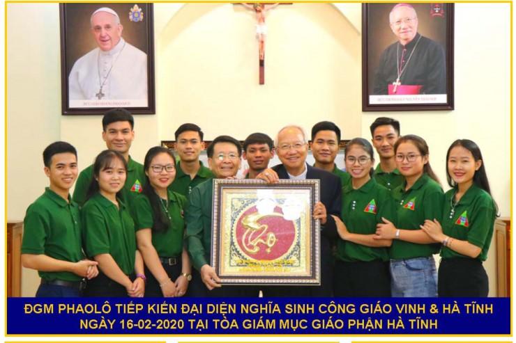 Đức cha Phaolô Nguyễn Thái Hợp gặp gỡ phái đoàn Nghĩa Sinh