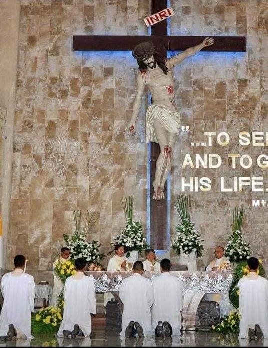 Cây Thánh Giá này có tên là Cây Thánh Giá Tha Tội.
