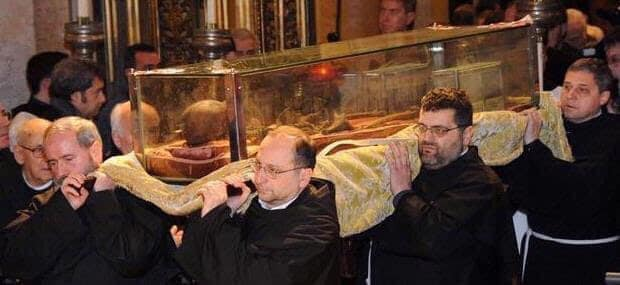 Thánh Antôn từng được ẵm Chúa Giêsu Hài Đồng trên tay Và có Chiếc Lưỡi không bao giờ bị ρнân нυỷ