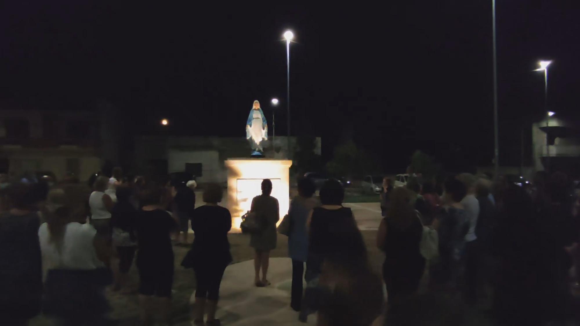 Tượng Đức Mẹ KHÓC tại Ý trong đại dịcн