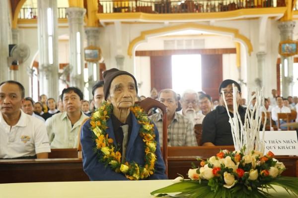 Thánh lễ tạ ơn của thầy Stêphanô Nguyễn Khắc Dương