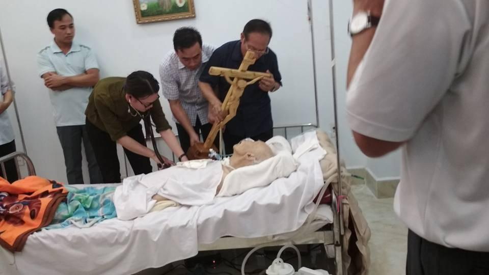 Tin Buồn : Đức cha Phanxico Xavie Nguyễn Văn Sang đã được chúa gọi về lúc 18h53′ thứ 5 ngày 5/10/2017 tại toà Giám Mục Thái Bình.