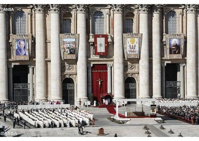 Tin Mừng: Đức Thánh Cha tôn phong 35 tân hiển thánh