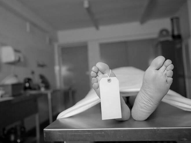 Thanh niên còn thở trong quan tài dù bác sĩ tuyên bố tử vong