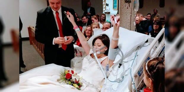 Bị ung thư, cô gái trẻ gắng hết sức lực để làm lễ cưới trước khi qua đời