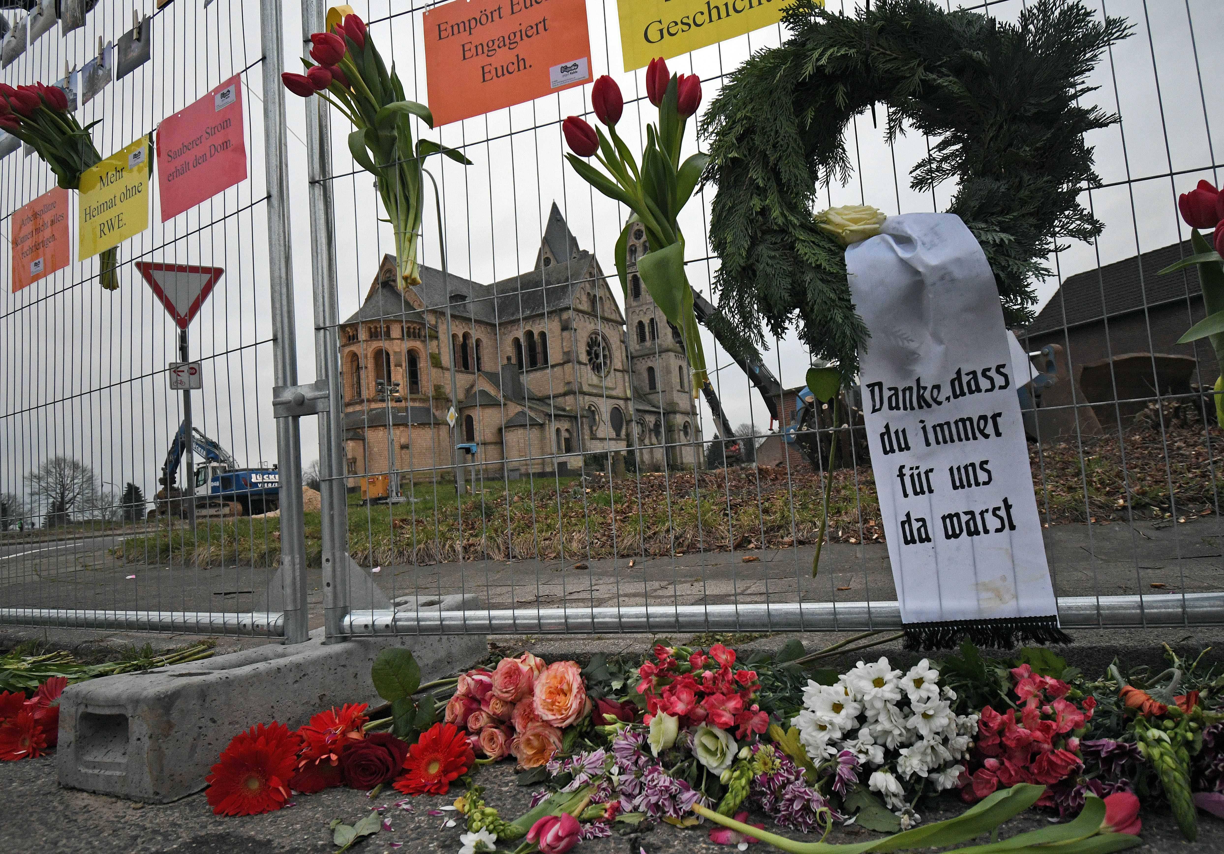 Nhà thờ lịch sử ở Đức bị phá để khai mỏ
