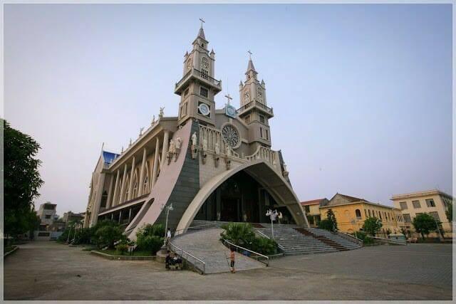 Top Những Ngôi Nhà Thời Đẹp Nhất Thế Giới Vinh Hạnh Ngôi Thánh Đường Ở Việt Nam