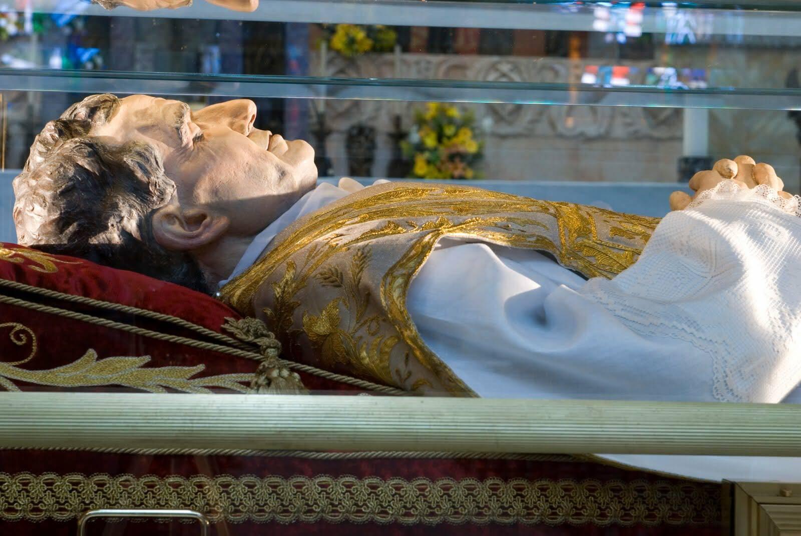 Phép lạ và những xác Thánh còn nguyên vẹn