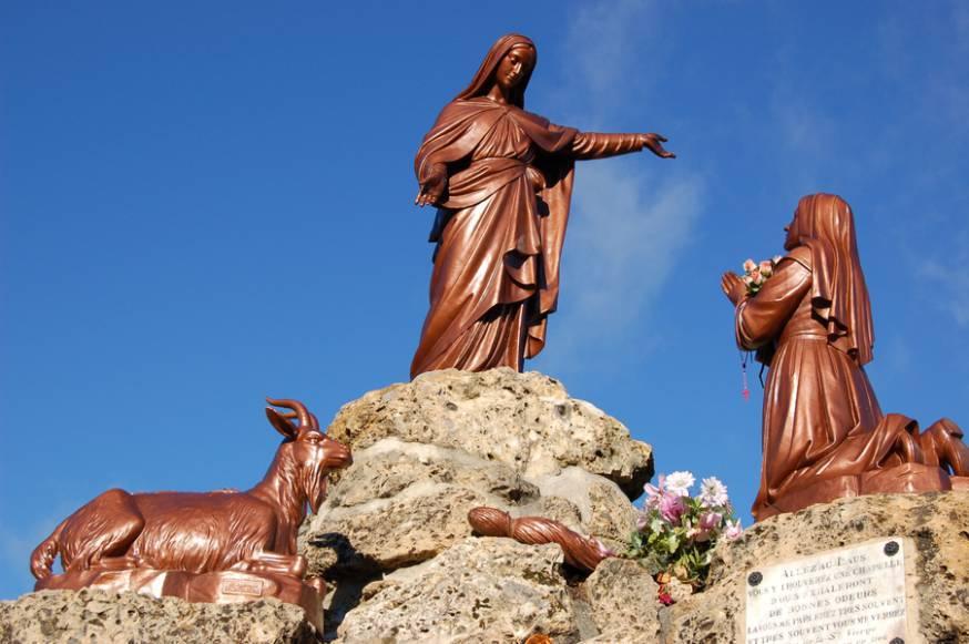 Cầu Nguyện Với Mẹ Maria Bằng Âm Nhạc