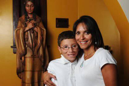 Câu chuyện tuyệt vời của Jake, em bé được Thánh Kateri chữa lành hai lần