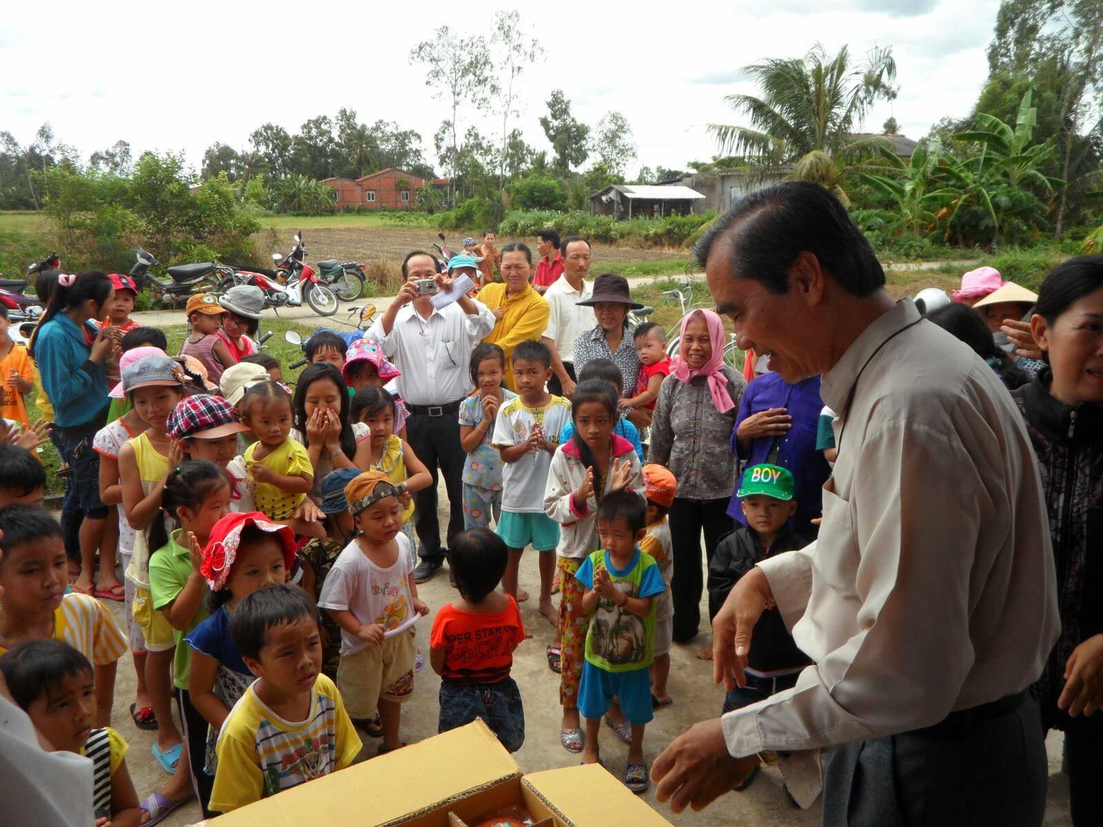 San sẻ với xứ nghèo vùng quê Chợ Gạo