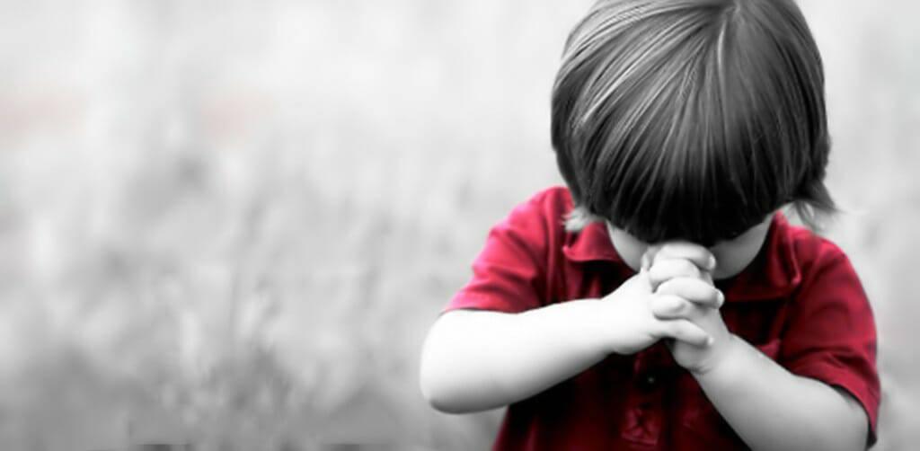 Thật buồn khi thấy trẻ em không biết làm Dấu Thánh Giá