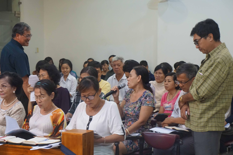 Lớp học Kinh Thánh giữa lòng đô thị