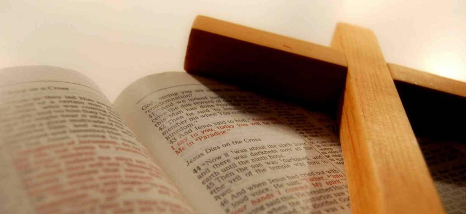 Kinh Thánh, ngọn đèn sáng soi mãi mãi