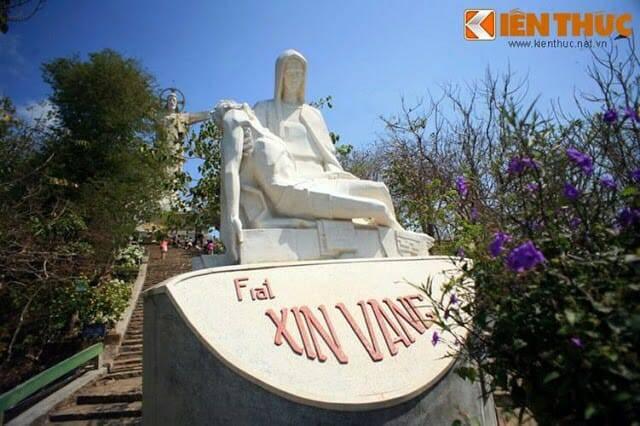 Cận cảnh tượng Chúa Kitô lớn nhất Châu Á tại Việt Nam