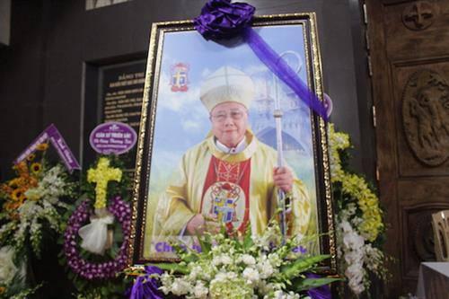 Đức cố giám mục được ca ngợi khôi phục giáo phận nghèo nàn