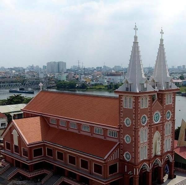 Giờ lễ tại Nhà thờ Fatima Bình Triệu
