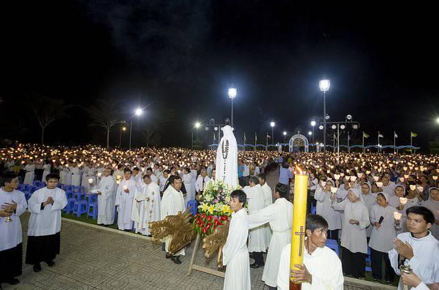 Giờ Lễ Tại Trung Tâm Thánh Mẫu Tàpao Giáo Phận Phan Thiết