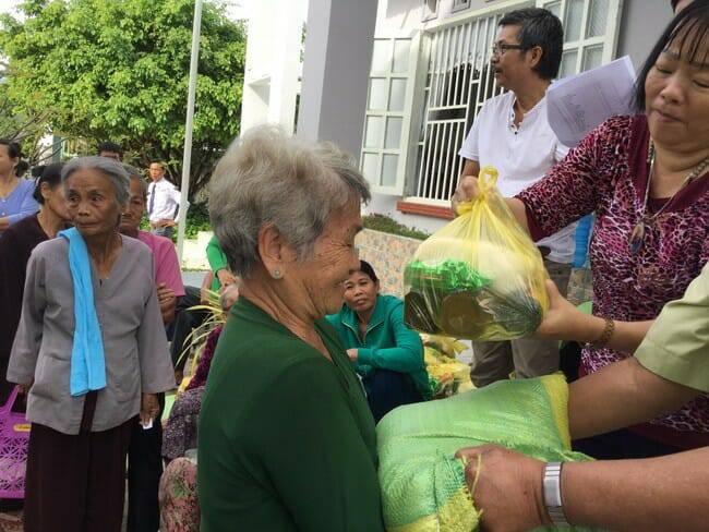 Giáo hội Việt Nam và Ngày người nghèo