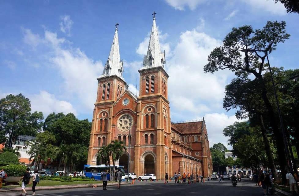 Giờ lễ nhà thờ Đức Bà Quận 1 TP. Hồ Chí Minh