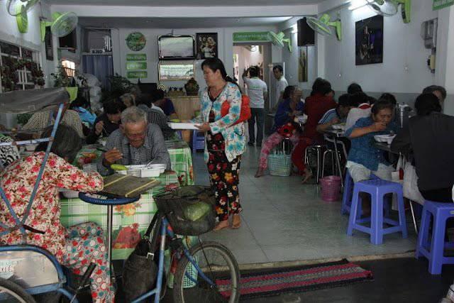 Linh Mục Nguyễn Sang – Tiếng hát vì người nghèo và quán cơm 2.000 đồng