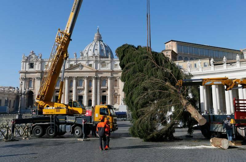 Những hình ảnh Vatican chuẩn bị chào đón Giáng sinh