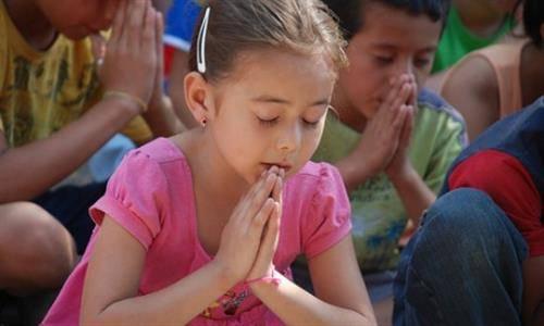 Tại sao chúng ta phải cầu xin cho người khác?