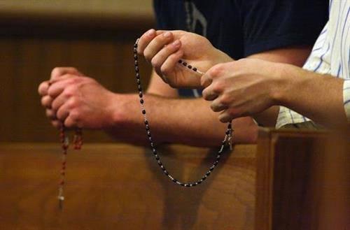 ĐỨC TRINH NỮ MARIA: KINH MÂN CÔI CÓ THỂ CỨU CÁC QUỐC GIA