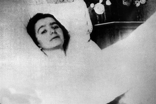 Thánh Thể là lương thực duy nhất của chị Marthe Robin trong hơn 50 năm