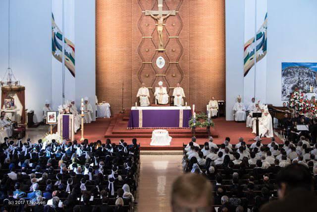 Việc rời nhà thờ ngay sau Rước lễ là sai như thế nào?